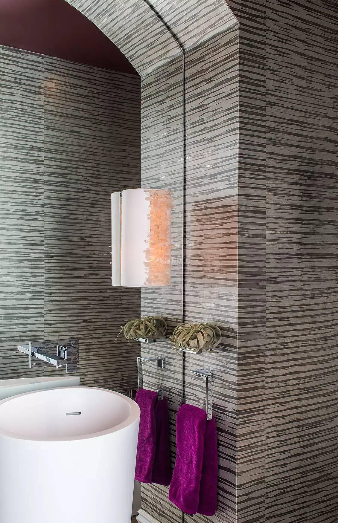 289平时尚大气的别墅之卫生间墙面装饰效果图