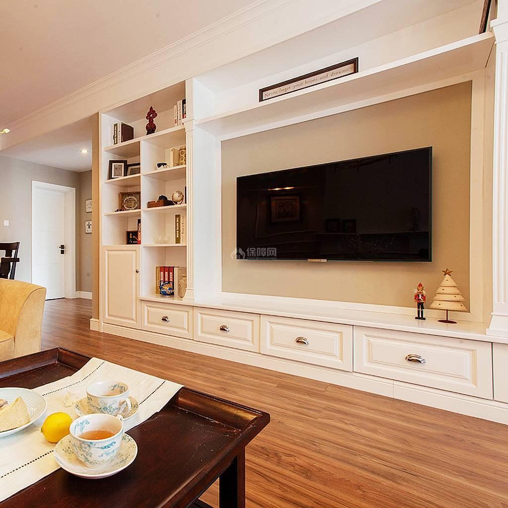76平美式风复式两居二楼客厅电视墙设计效果图