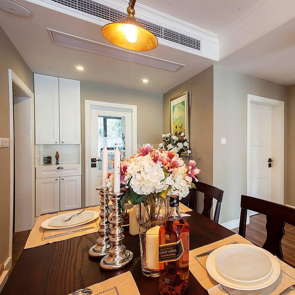 76平美式风复式两居餐厅装饰效果图