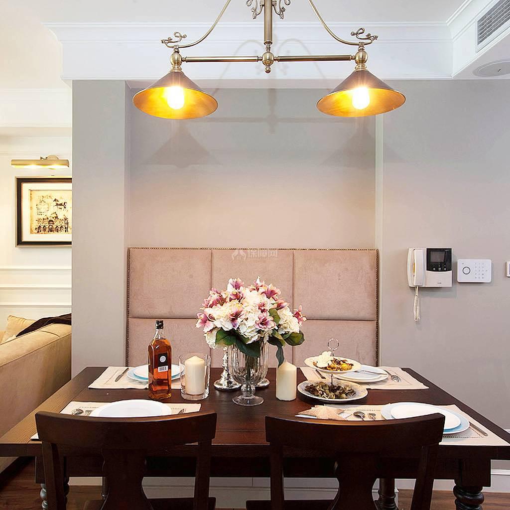 76平美式风复式两居餐厅餐桌选择