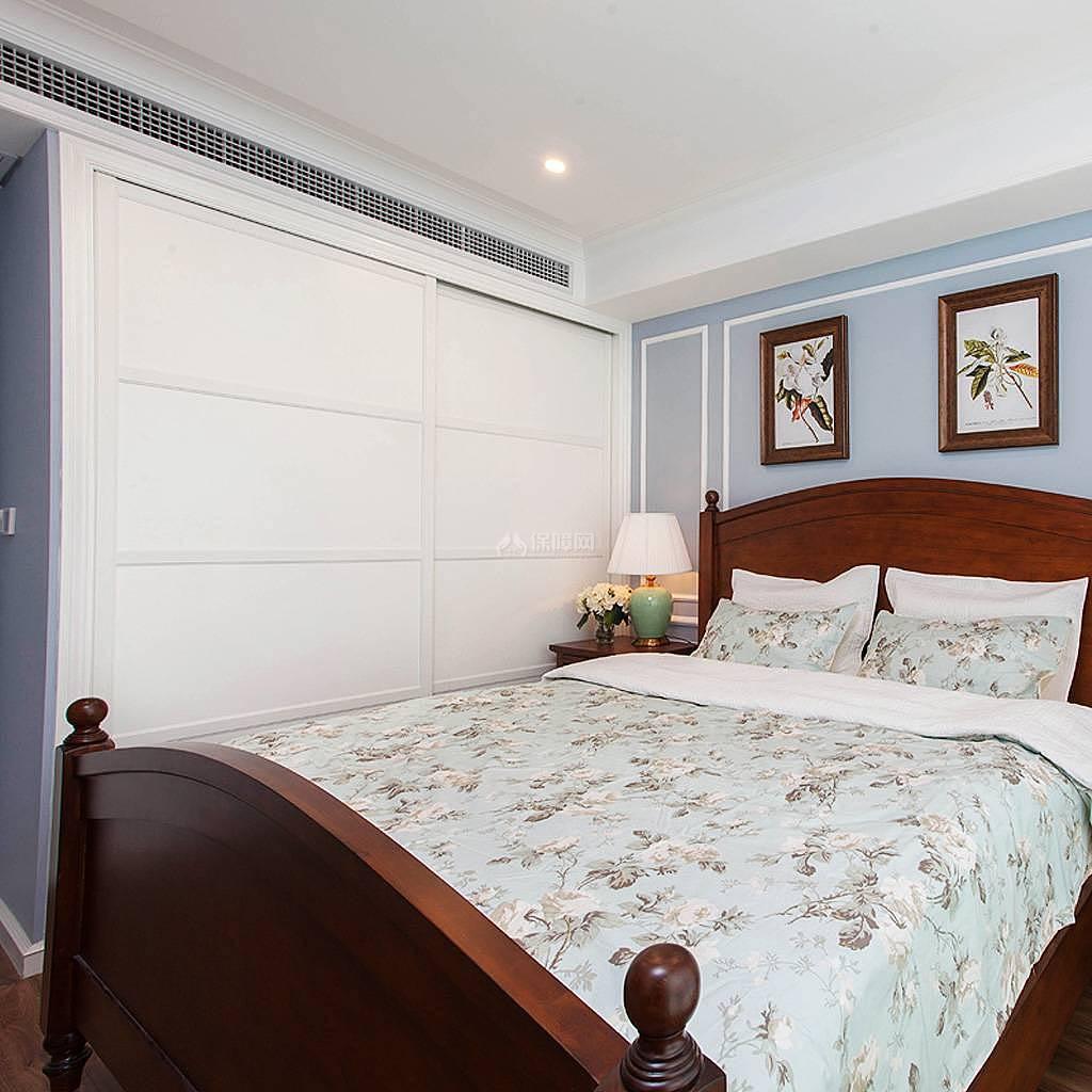 76平美式风复式两居卧室壁柜效果图