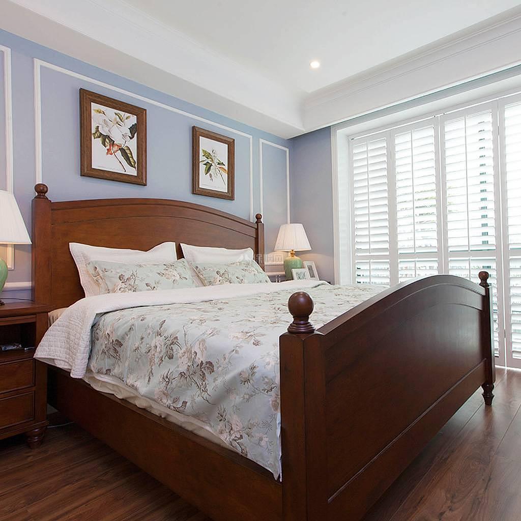 76平美式风复式两居卧室格子落地门效果图