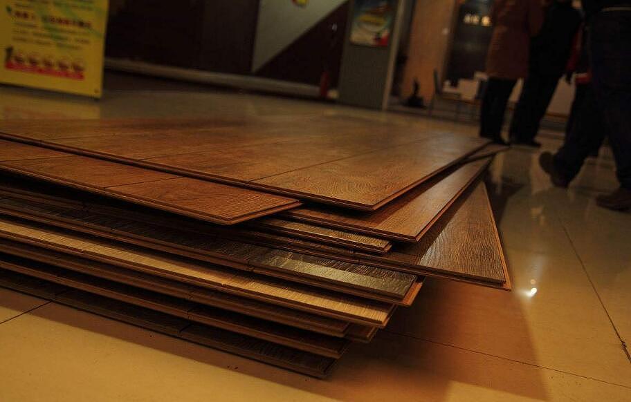 实木地板铺法有哪些 实木地板铺法哪种好
