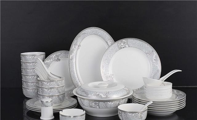一套骨质瓷餐具价格是多少 骨质瓷餐具的优势特点