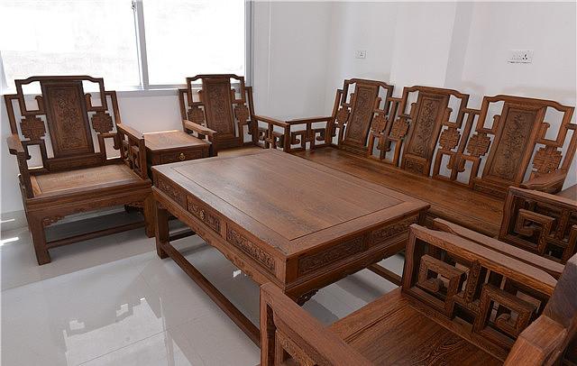 鸡翅木沙发五件套价格是多少 最新鸡翅木沙发价格介绍