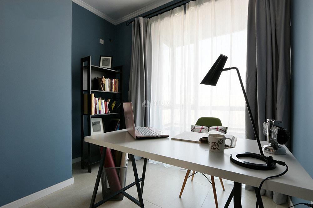 130平现代简约三室之书房墙面装饰效果图