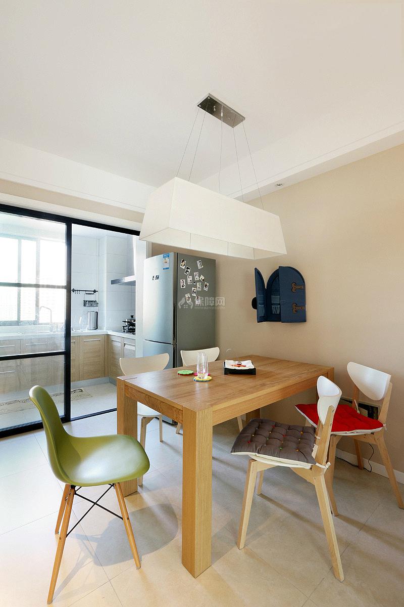 130平现代简约三室之厨房餐厅整体效果图