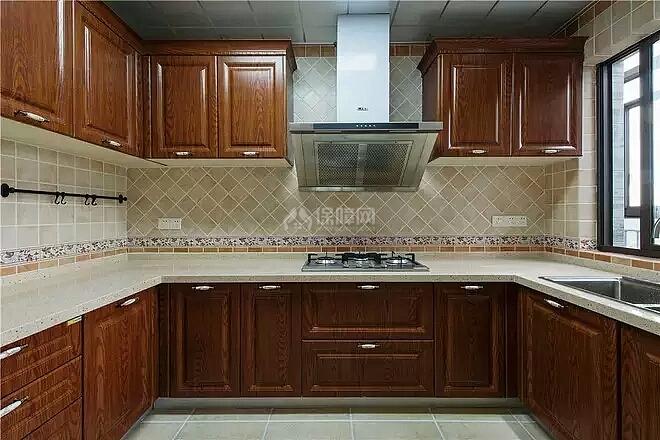 140㎡美式田园三居之厨房上下柜设计效果图