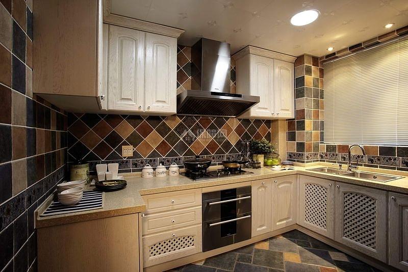 125㎡地中海风格三居之厨房橱柜设计效果图