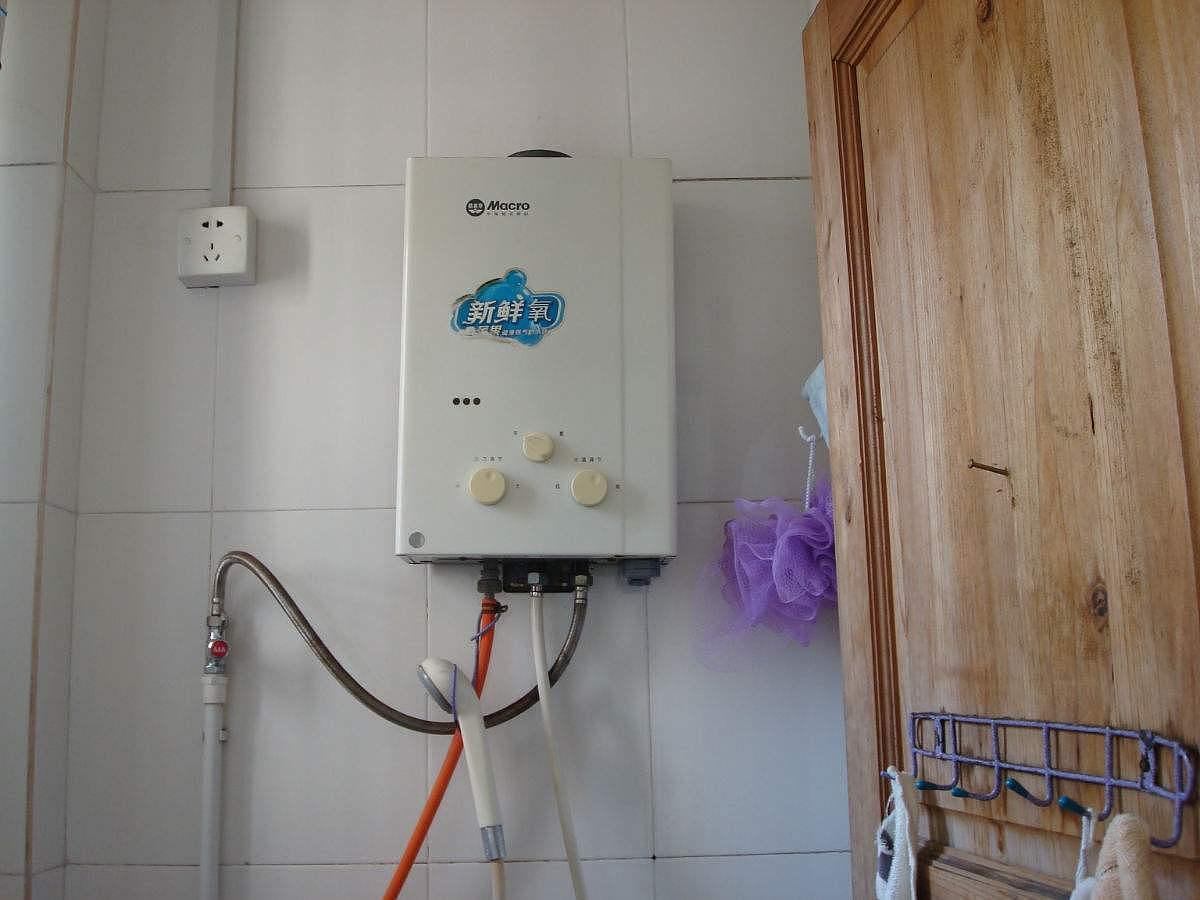 热水器点火后一会熄灭怎么回事 热水器打不着火怎么办