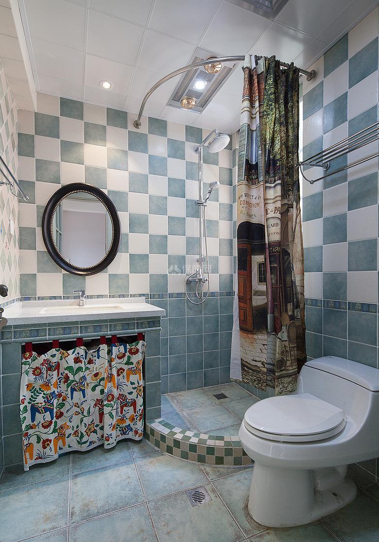 134㎡唯美美式风复式之二楼卫浴设计效果图