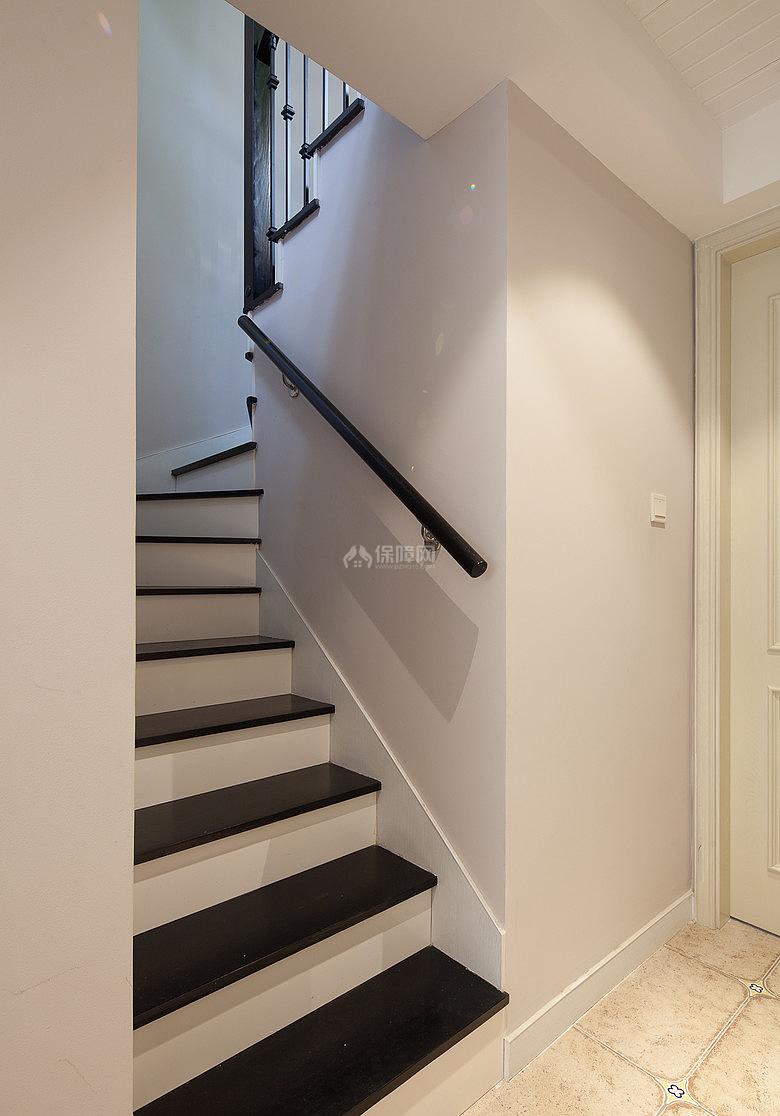 134㎡唯美美式风复式之楼梯设计效果图