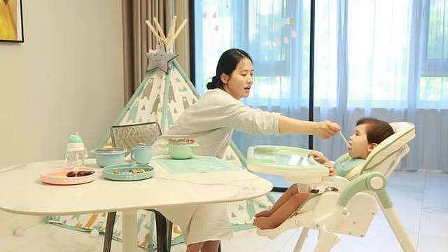 宝宝餐椅的选购指南与注意事项