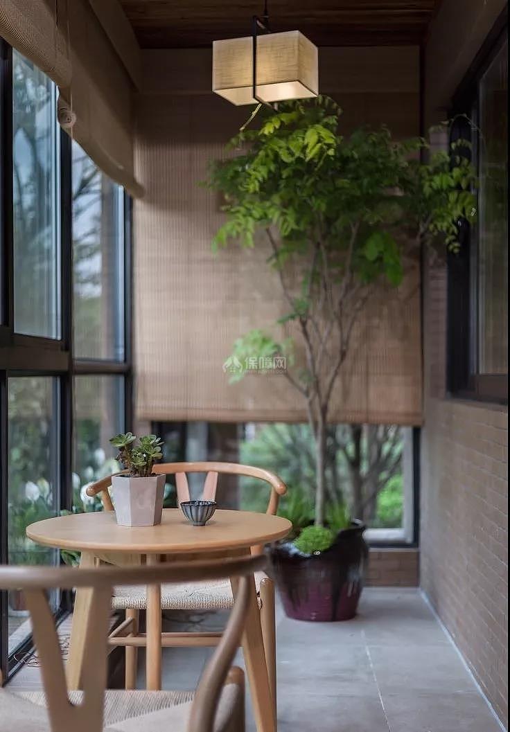 二房两厅装修效果图_160平新中式三居之休闲阳台布置效果图_装修图片-保障网装修效果图