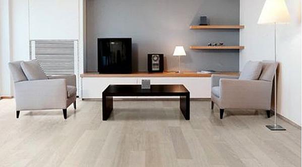 家居浅色木地板的搭配与保养方法