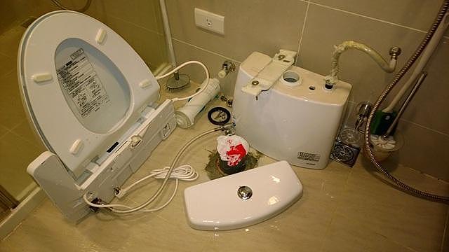 花3分钟掌握马桶安装流程 从此马桶安装维修不在花钱