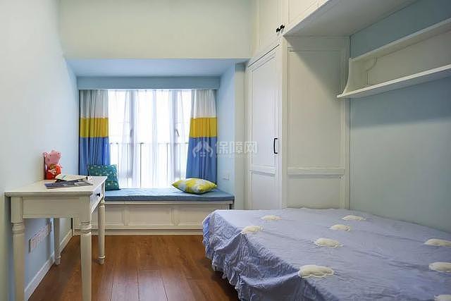 89㎡现代美式两居之儿童房飘窗布置效果图