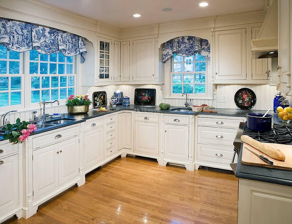 厨房窗帘风水禁忌 厨房窗帘什么颜色好