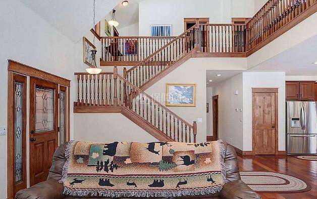 复式楼梯装修技巧与楼梯的分类