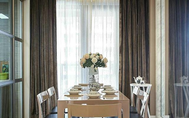 家庭窗帘与横拉窗帘安装的方式