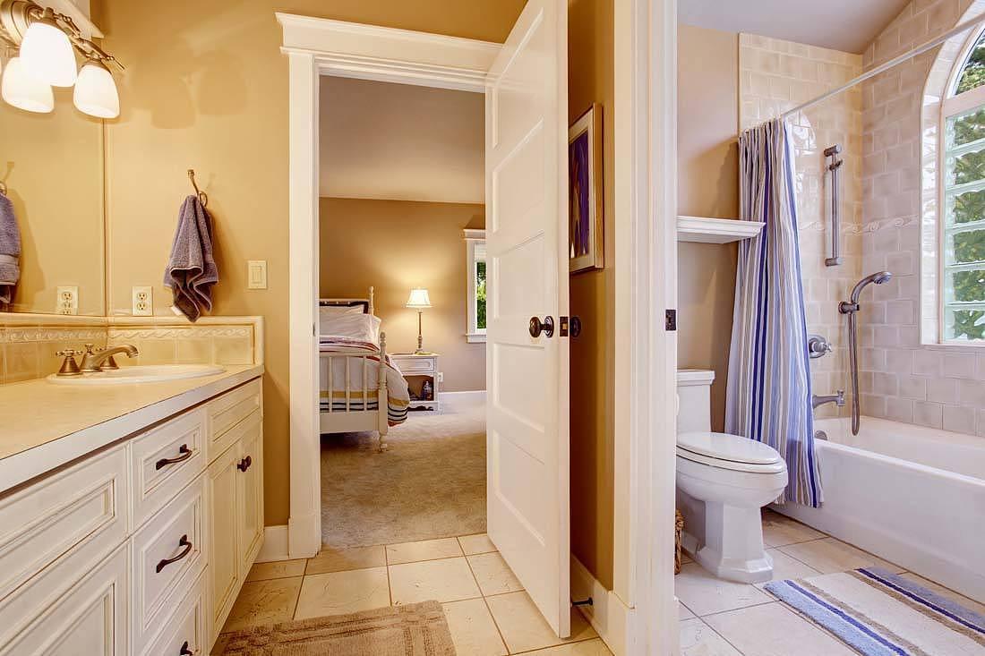 卫生间地面比客厅高怎么办 如何弥补?