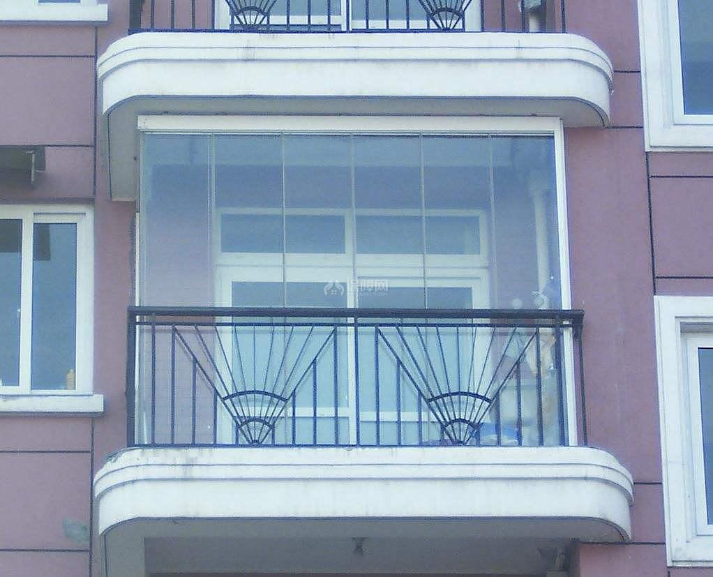 什么是封闭阳台和半封闭阳台 半封闭阳台装修注意