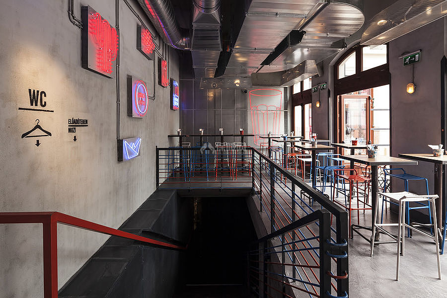 Kolor酒吧餐厅之楼梯口布置效果图