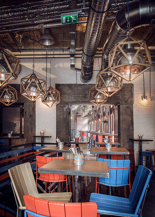 Kolor酒吧餐厅之一层用餐区灯具布置效果图
