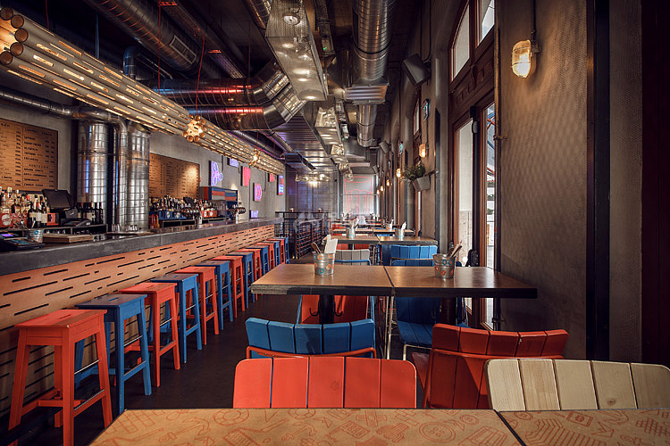 Kolor酒吧餐厅之一层整体格局设计效果图