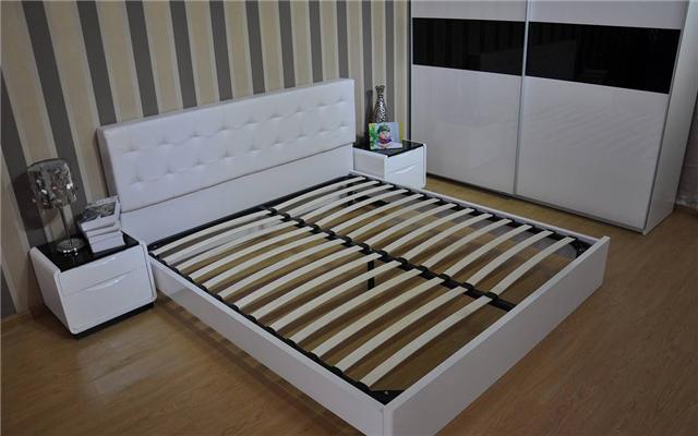 你家卧室还摆大床吗 今年流行飘窗床和榻榻米设计