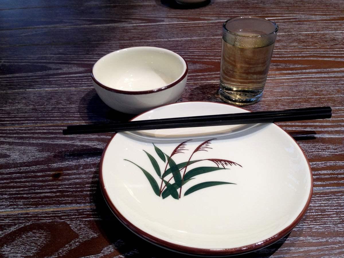 餐桌碗筷摆放风水禁忌 你家摆错了许多年