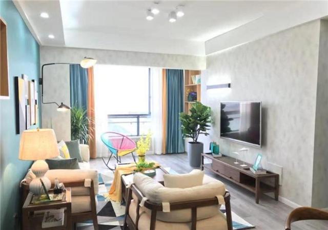 80平现代简约两居室小房 墨绿色墙面时尚清爽