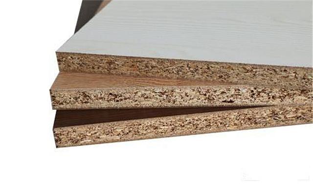 橱柜材料哪种好(颗粒板、生态板、瓷砖的比较)