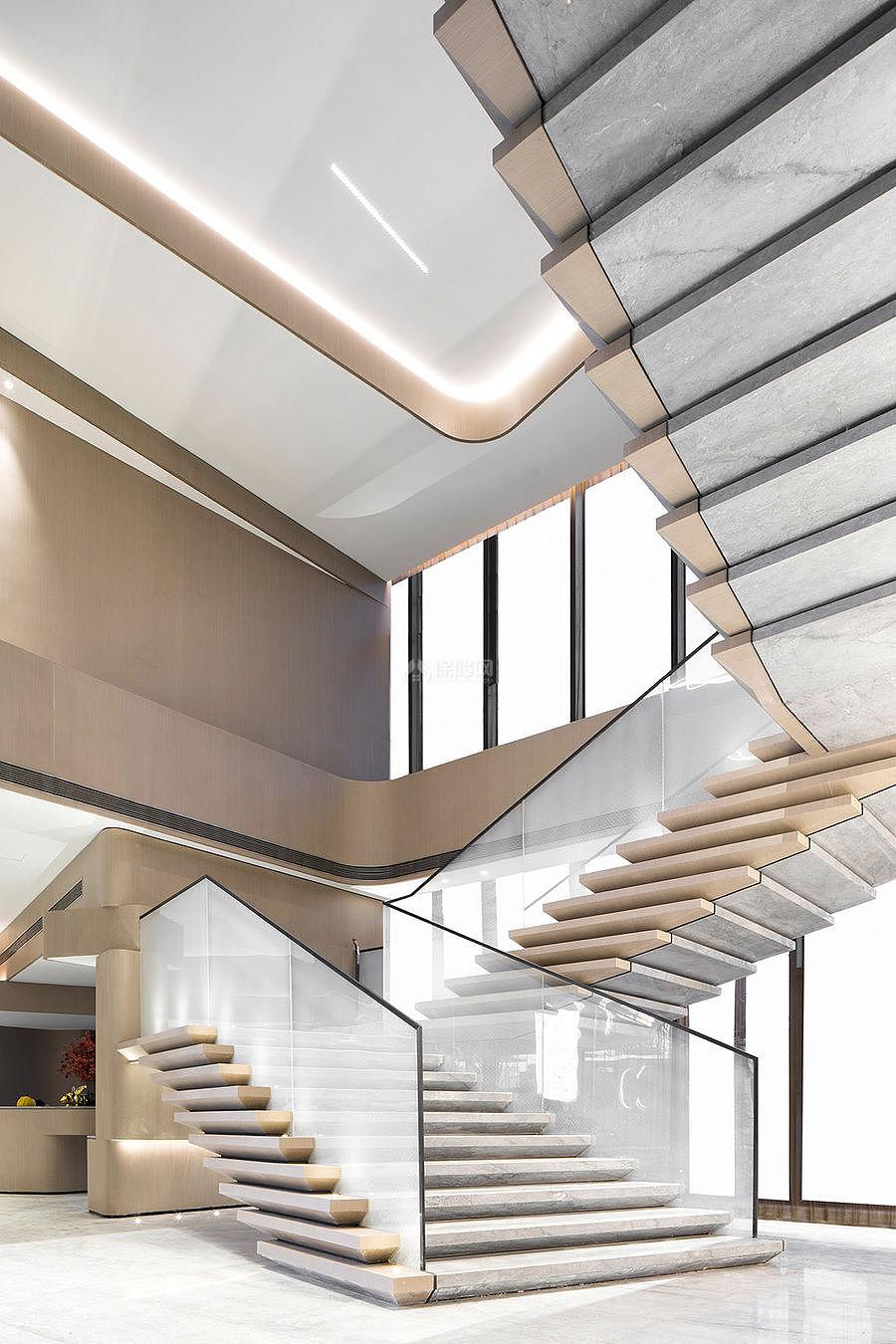 万科公园传奇售楼部玻璃楼梯设计效果图
