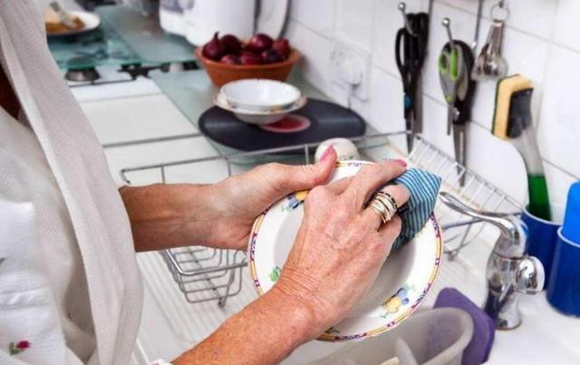 竭尽全力选一台好用的洗碗机 彻底解决谁去洗的家庭难题