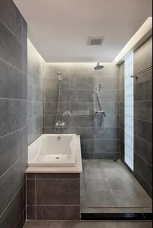 140平简约风浴室装修效果图