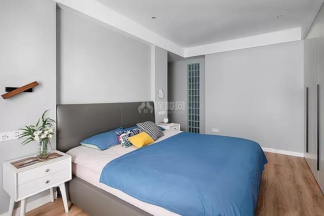 140平简约风卧室床头背景墙装修效果图
