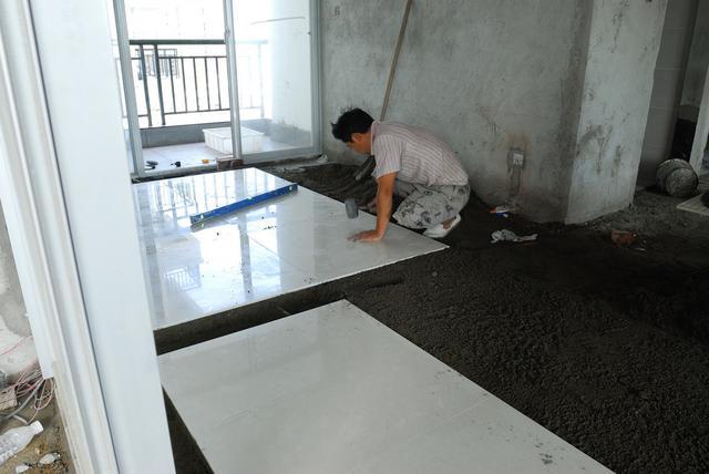 想要高颜值的家 瓷砖的大小、形状和铺设方式起主导作用