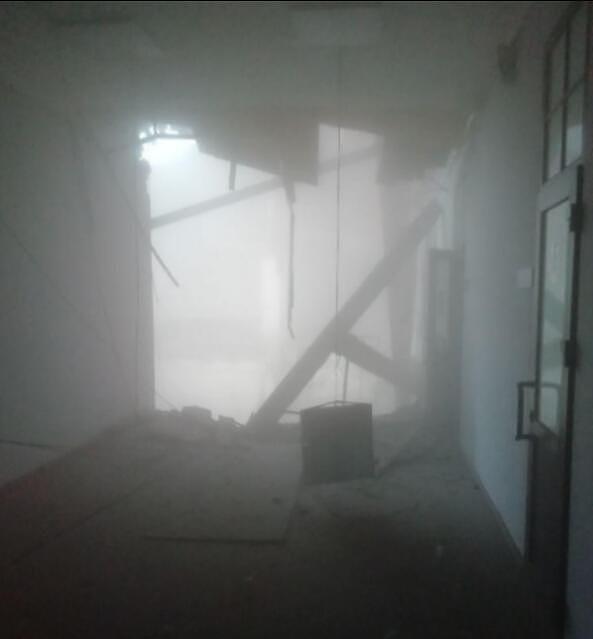 俄罗斯圣彼得堡一大学建筑发生部分垮塌 至少有21人被困