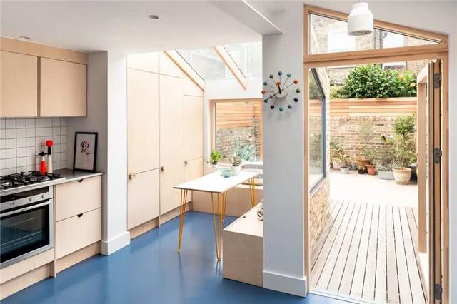 北歐風格的露臺住宅 庭院改造成了陽光房