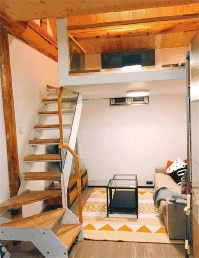 夫妻巧改20㎡小公寓,平房挑高隔断,小空间挤出个阁楼