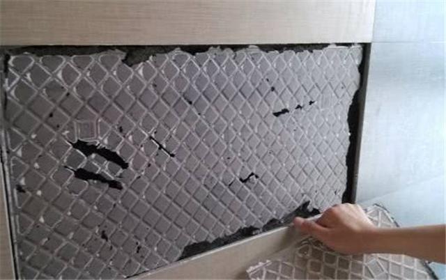 瓷砖空鼓脱落是什么原因 厂家和工人总有一个要背锅