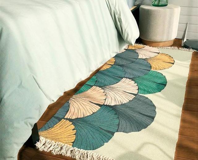 卧室床边地毯怎么选择 这些款式好看又能搭