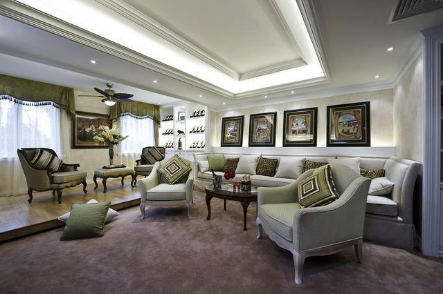 145平优雅欧式风格三居室 沙发颜色摆放非常大气