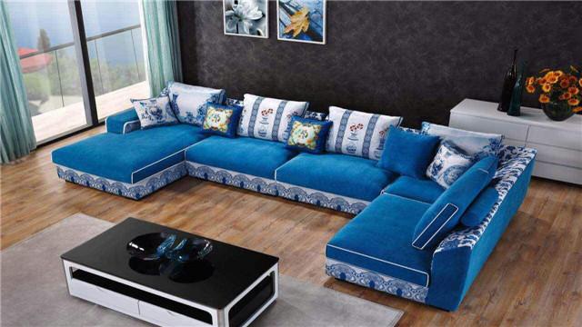 小户型沙发这样放 能把客厅显的更宽敞
