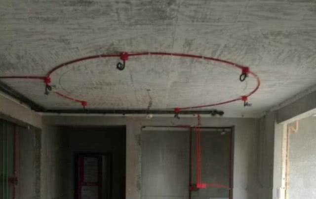 请木工师傅做的餐厅圆顶装修 这个吊顶花2000块钱值吗