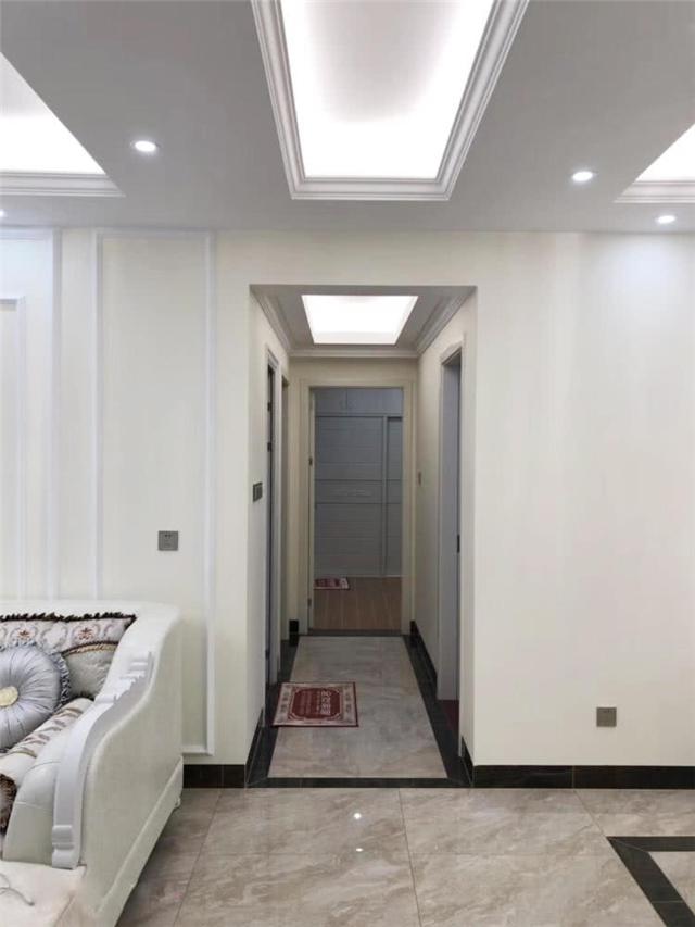 100平米简欧风格三居室 大理石电视背景墙很有质感