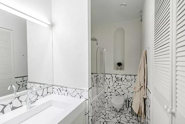 卫生间贴碎瓷砖效果太惊艳 后悔没早学到这招