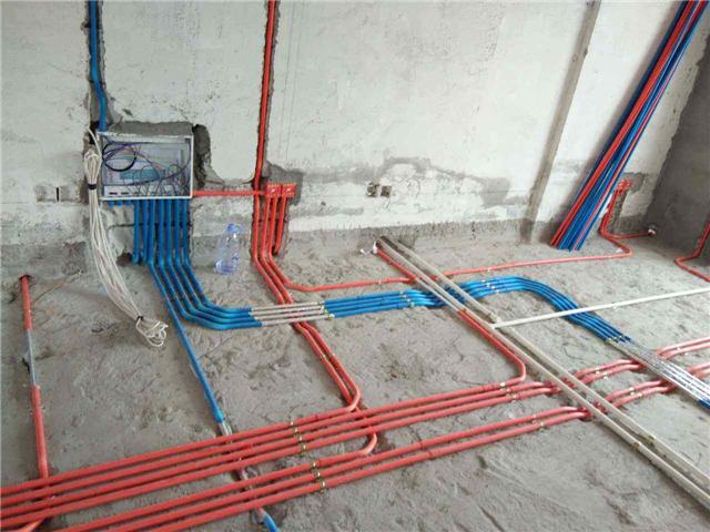 家装布线不开电线槽是什么操作 原来踢脚线暗藏玄机