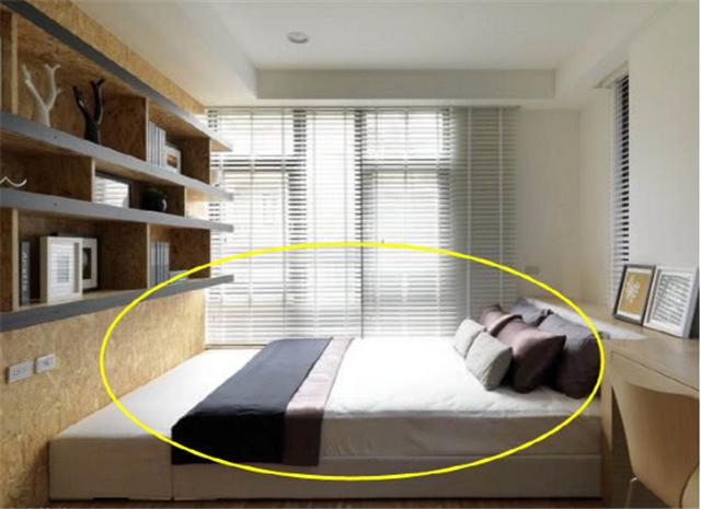 卧室已经不流行放大床了 飘窗床和榻榻米是更好的选择
